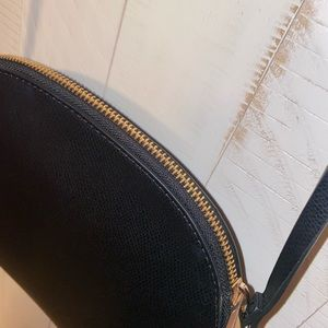Black H&M crossbody purse